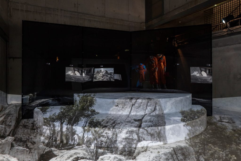 Installation view of ExtraSpaceCraft, 2016, courtesy Hito Steyerl, photo: Timo Ohler